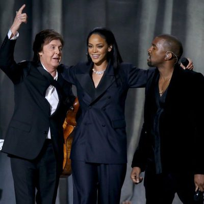 Paul McCartney, Rihanna y Kanye West en los Grammy 2015