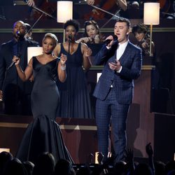 Mary J. Blige y Sam Smith actúan en los Grammy 2015