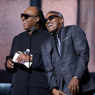 Jamie Foxx imita a Stevie Wonder en los Grammy 2015