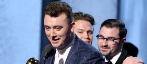 Sam Smith recoge un premio en los Grammy 2015