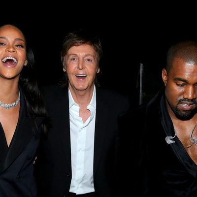 Rihanna, Paul McCartney y Kanye West en los premios Grammy 2015