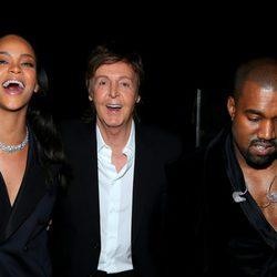 Rihanna, Paul McCartney y Kanye West en los premios Grammy 2015