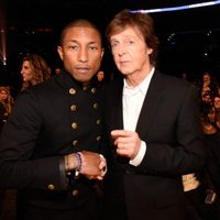 Pharrell Wiilliams y Paul McCartney en los premios Grammy 2015