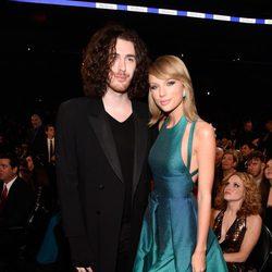 Taylor Swift y Hozier en los Grammy 2015