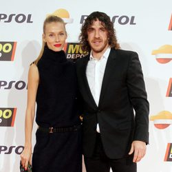 Vanesa Lorenzo y Carles Puyol en la gala Mundo Deportivo 2015