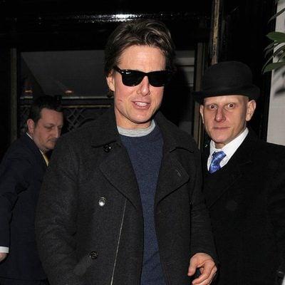 Tom Cruise saliendo con restos de pintalabios de una cena de Londres