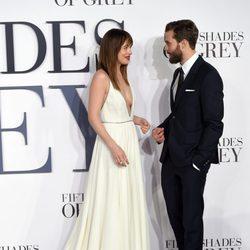 Dakota Johnson y Jamie Dornan 'Cincuenta sombras de Grey' presentan la película en Londres