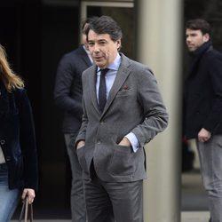 Ignacio González en el tanatorio del padre de Cristina Cifuentes