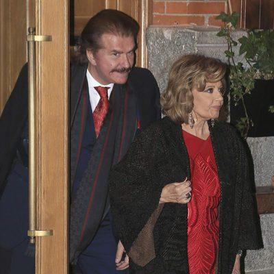 Bigote Arrocet y María Teresa Campos salen de un restaurante tras celebrar San Valentín