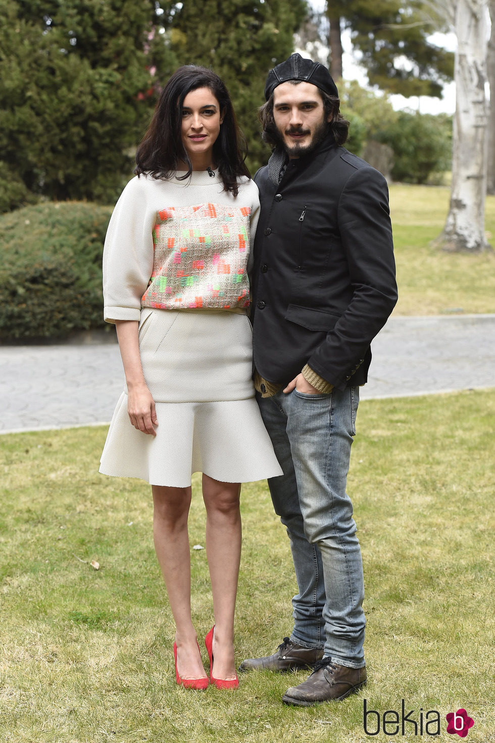 Blanca romero y yon gonz lez en la presentaci n de 39 bajo for Blanca romero serie antena 3