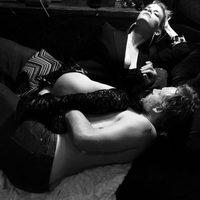 Jessica Simpson posa a lo 'Cincuenta Sombras' con Eric Johnson