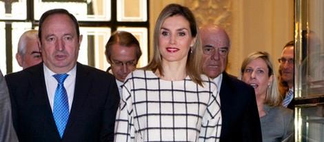 La Reina Letizia con su jersey favorito en el décimo aniversario de Fundéu