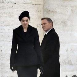 Monica Bellucci y Daniel Craig en el rodaje de 'SPECTRE'