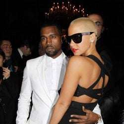 Kanye West y Amber Rose en el desfile de Givenchy durante la Paris Fashion Week 2010
