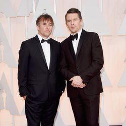Richard Linklater e Ethan Hawke en la alfombra roja de los Oscar 2015