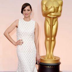 Marion Cotillard en la alfombra roja de los premios Oscar 2015