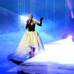 Rita Ora interpreta una de las canciones nominadas en la gala de los Oscar 2015