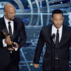 John Legend y Common reciben el Oscar a la Mejor Canción por 'Glory'
