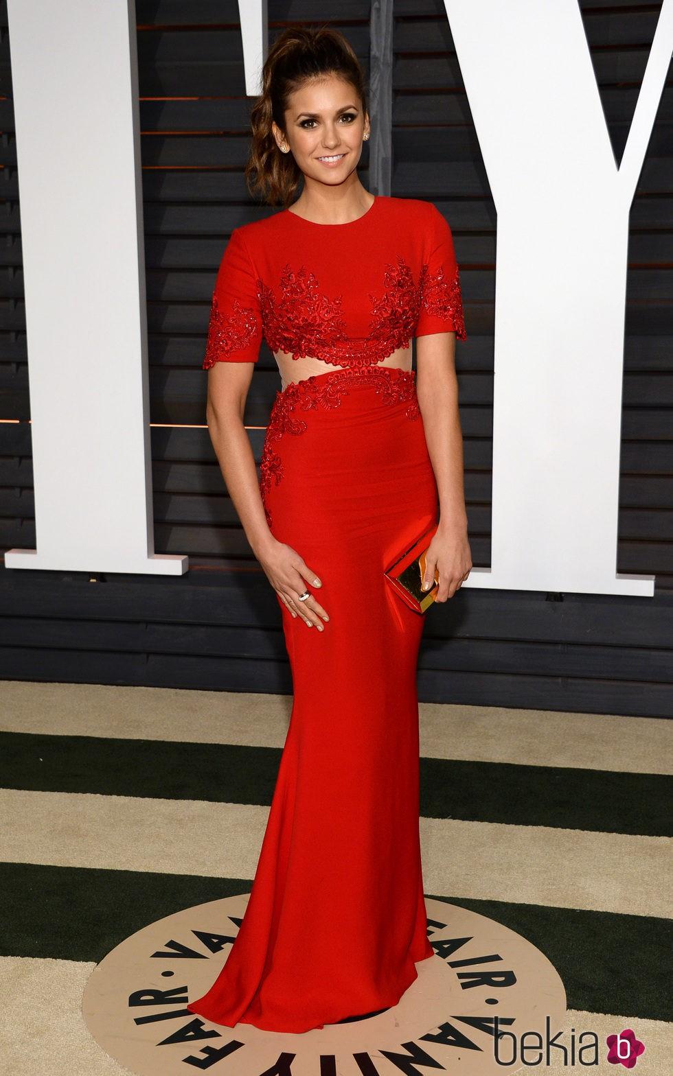 Nina Dobrev en la fiesta Vanity Fair tras los Oscar 2015