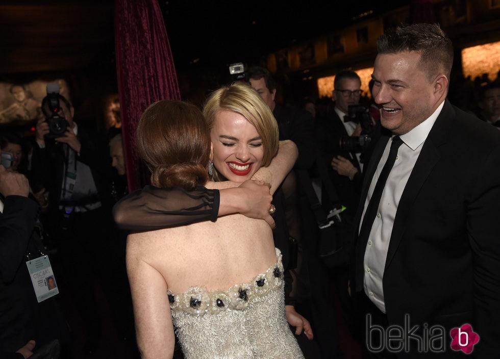 Felicity Jones en la fiesta Governors Ball tras los Oscar 2015