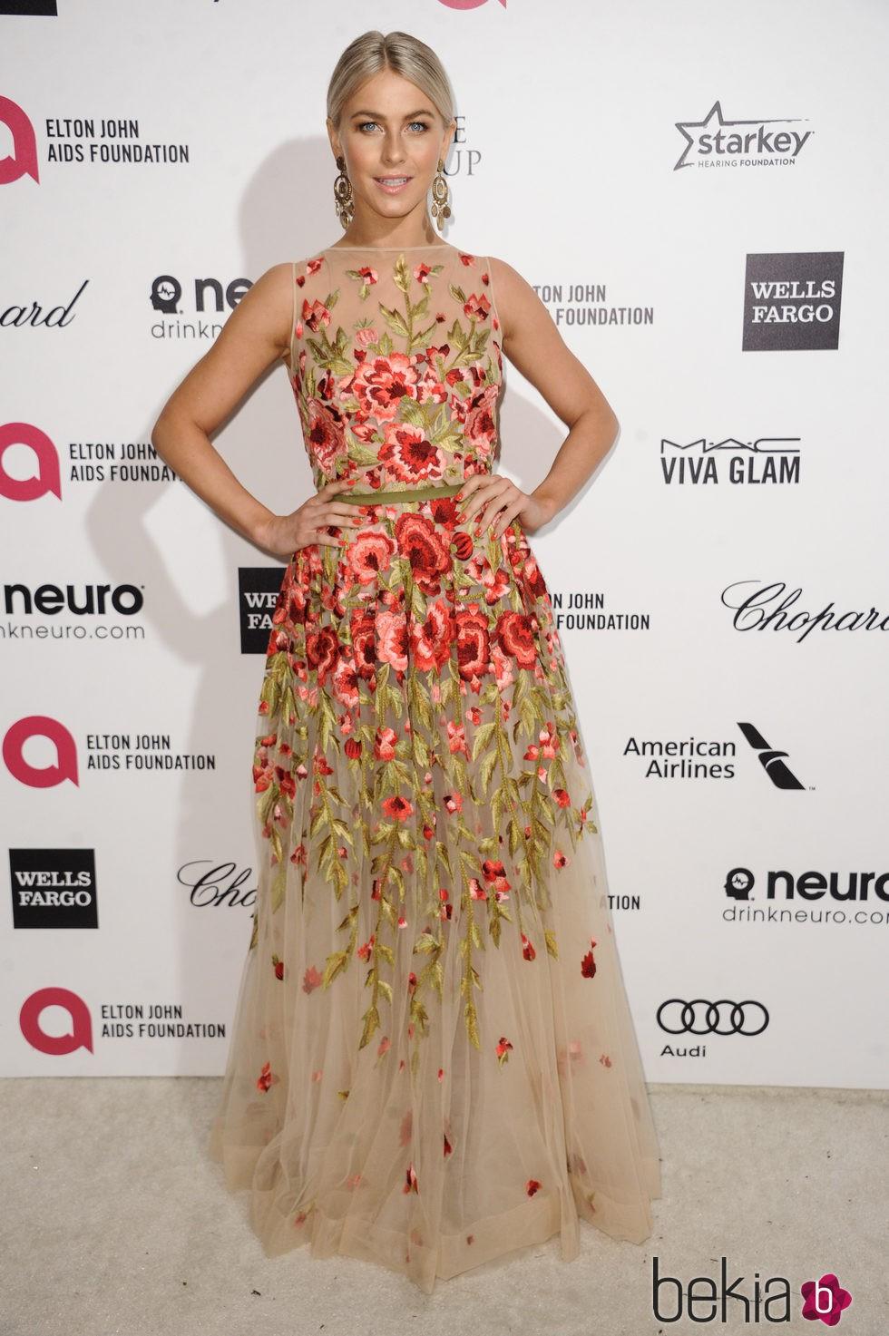Julianne Hough en la fiesta de Elton John tras los Oscar 2015