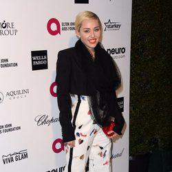 Miley Cyrus en la fiesta de Elton John tras los Oscar 2015
