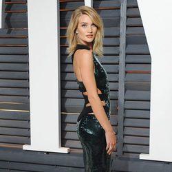 Rosie Huntington-Whiteley en la fiesta Vanity Fair tras los Oscar 2015