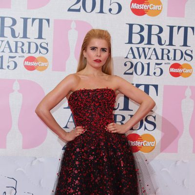 Paloma Faith en la alfombra roja de los Brit Awards 2015
