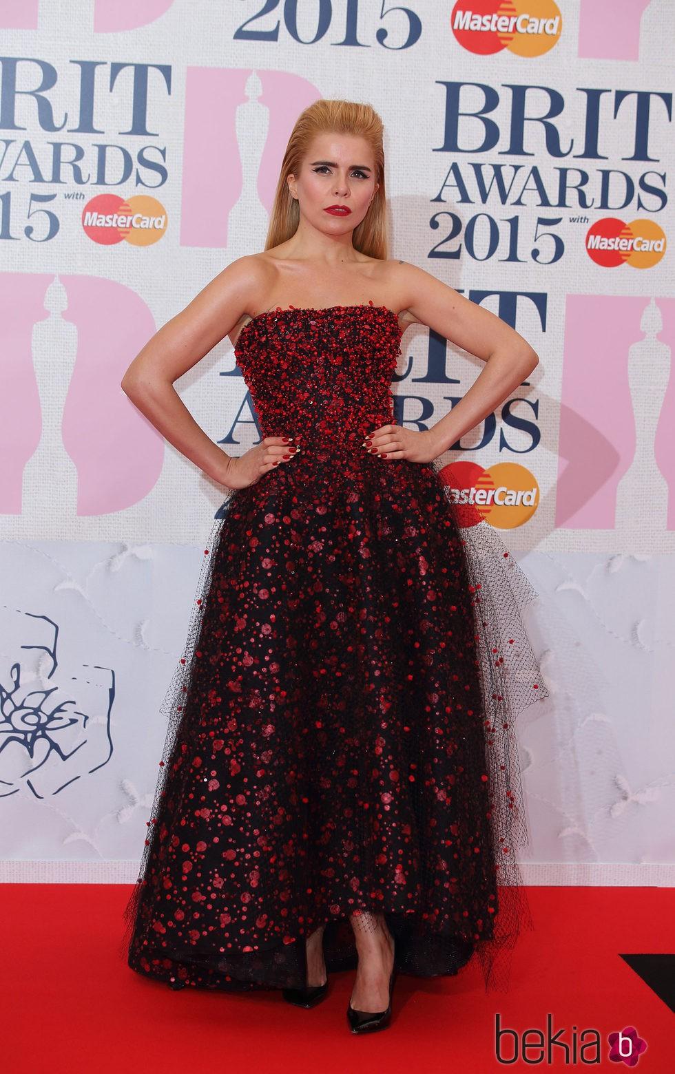 Paloma Faith en la alfombra roja de los Brit Awards 2015