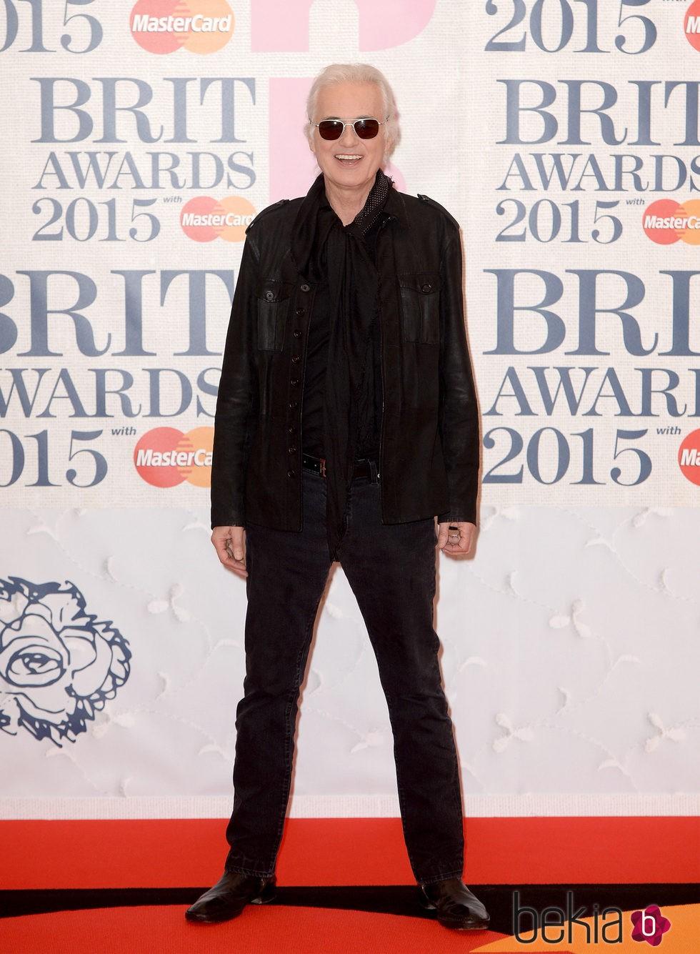 Jimmy Page en la alfombra roja de los Brit Awards 2015