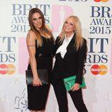 Melanie C y Emma Bunton en la alfombra roja de los Brit Awards 2015