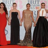 Little Mix en la alfombra roja de los Brit Awards 2015