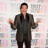 Lionel Richie en la alfombra roja de los Brit Awards 2015