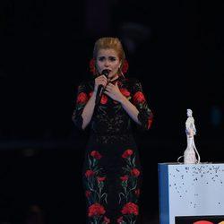 Paloma Faith emocionada recogiendo su galardón en los Brit Awards 2015