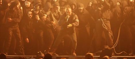 Kanye West durante su actuación en los Brit Awards 2015