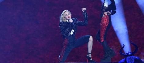Madonna durante su actuación en los Brit Awards 2015