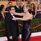 Jennifer Lawrence abraza a David O. Russell durante los Annual Screen Actors Guild Awards 2014