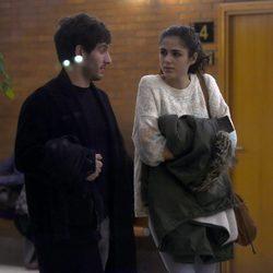 Quim Gutiérrez y Sandra Martín en el tanatorio de Héctor Colomé