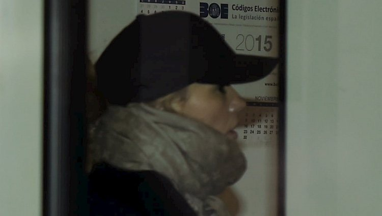 Patricia Conde se oculta tras una gorra a su llegada a los Juzgados