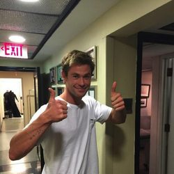 Chris Hemsworth abre su cuenta de Twitter