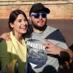 Kiko Rivera con Ares Teixidó en su nuevo bar de copas en Sevilla