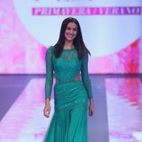 Irina Shayk desfilando con la colección primavera/verano 2015 de Fashion Fest Liverpool