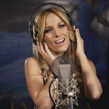 Edurne grabando la canción 'Soñar' para 'Cenicienta'