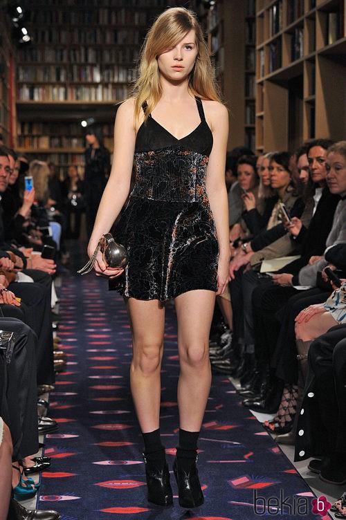 Lottie Moss desfilando para Sonia Rykiel en 2015
