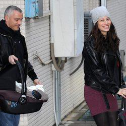 Eros Ramazzotti y Marica Pellegrinelli con el segundo hijo de la pareja