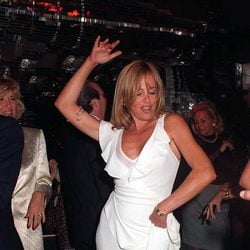Ana Obregón, reina de la pista en una fiesta en Marbella