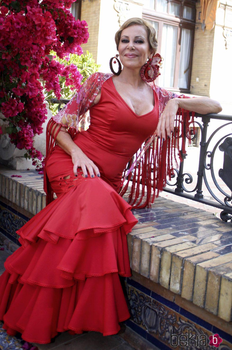 Ana Obregón vestida de flamenca en Sevilla