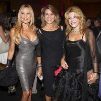 Ana Obregón, María Dolores de Cospedal y Carmen Cervera durante la inauguración de una exposición