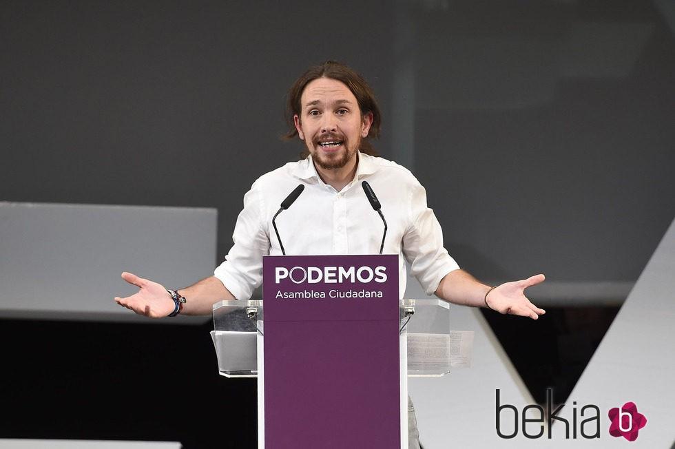 Pablo Iglesias dando un mitin