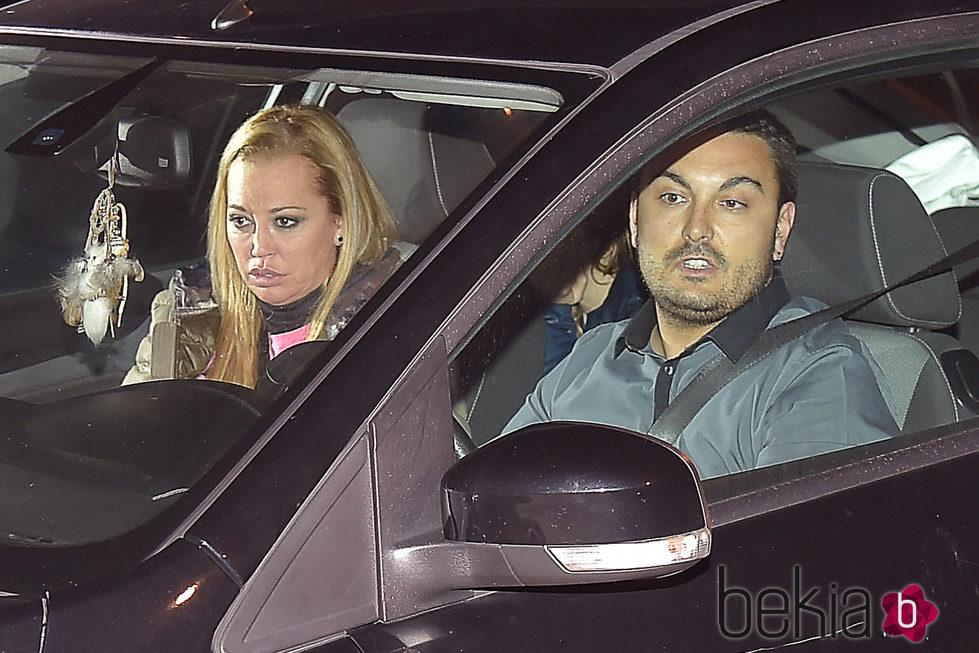 Belén Esteban llega a Paracuellos con su novio y su hija tras ganar 'Gran Hermano VIP'